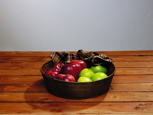 Distressed Metal Tray with Handle 12""